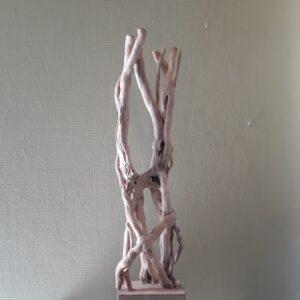 Staande hedera sculptuur 1