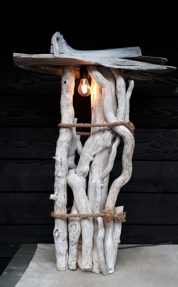 Staande lamp compositie hout